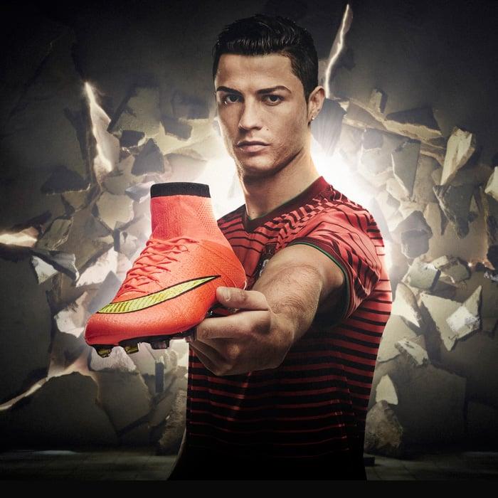107bc1a9b7e Nike Mercurial SuperFly, los tacos inteligentes que usará Ronaldo en ...