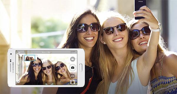 Galaxy-a5-wide-selfie