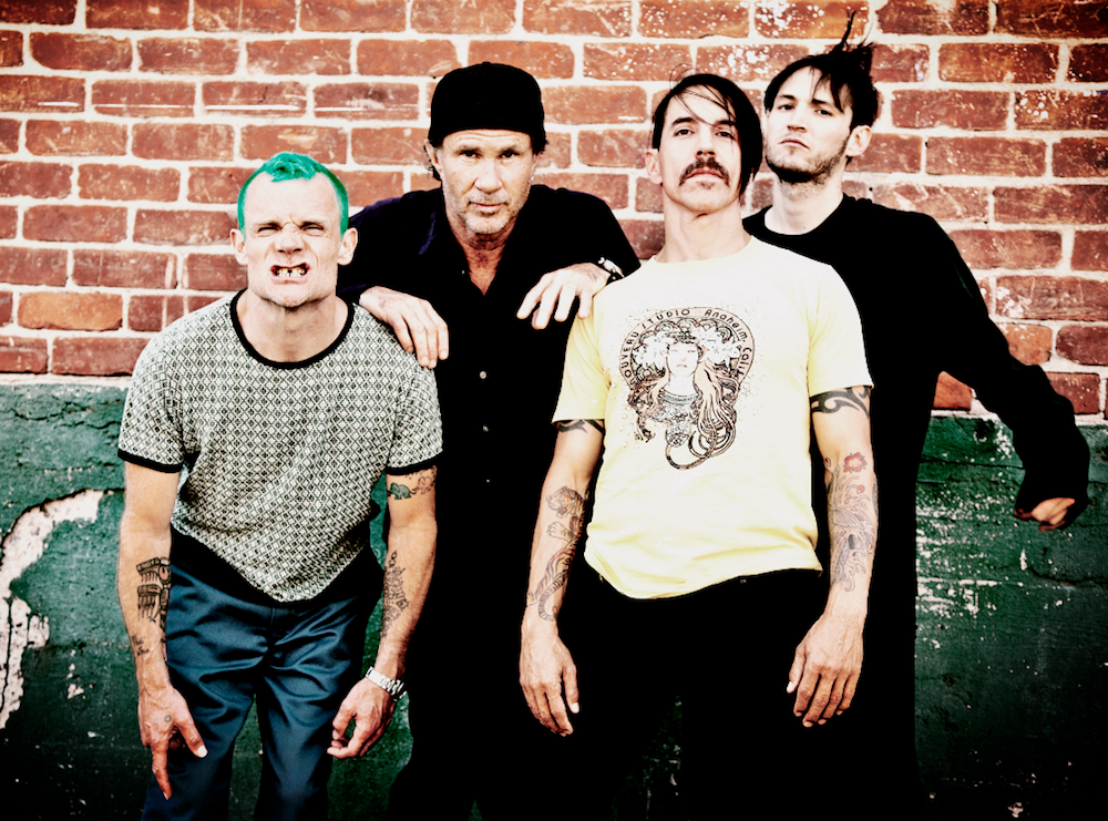 red-hot-chili-peppers-dark-necessities-single-new-mp3