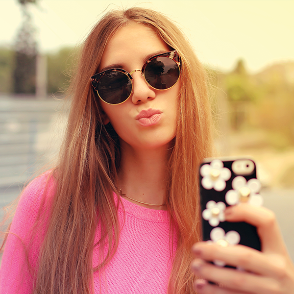 En la competencia por acaparar usuarios que gusten de compartir fotos y videos cortos, Snapchat e Instagram ya no estarán solos.