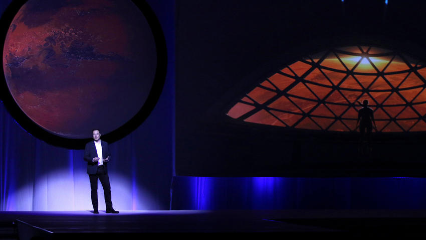 Según Musk, su nave espacial podría transportar seres humanos al planeta rojo en menos de 5 años. (Foto: Expansión)