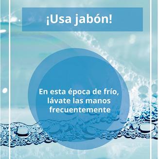 lávate las manos con agua y con jabón