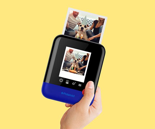 Compacta y divertida, esta cámara te ayuda a tomar fotos instantáneas fácilmente. (Foto: Polaroid)