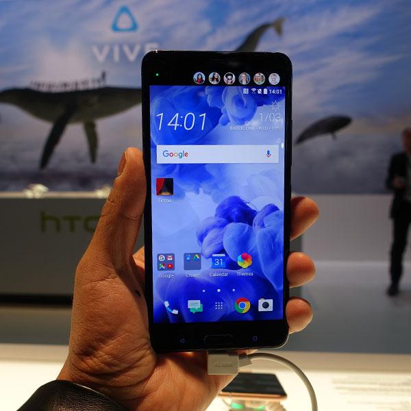 El HTC U Ultra es un equipo pensado para aquellos amantes de las selfies. (Foto: Telcel)