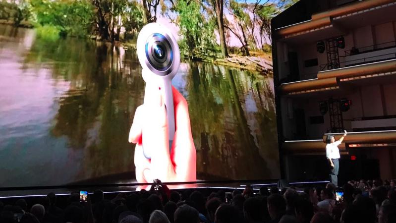 La nueva cámara de Samsung permite grabar video en 360 grados. (Foto: Telcel)