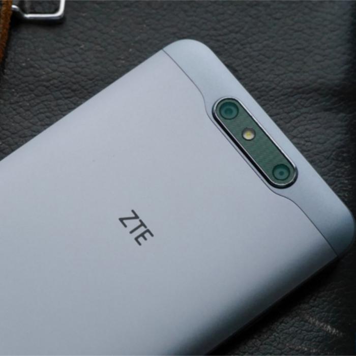 ZTE-Blade-V8 cámaras