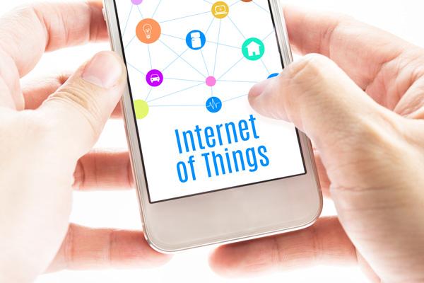 El Internet de las cosas permite controlar otros gadgets desde el celular. (Foto: digicert.com)