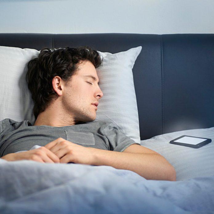 celular dormir noche