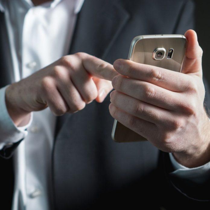 WhatsApp podrá abrirse con Face ID y Touch ID