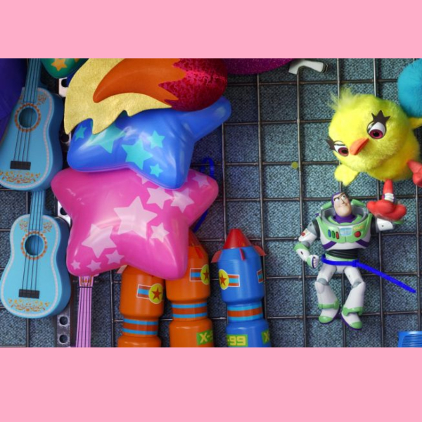 guitarra de Coco en tory story 4