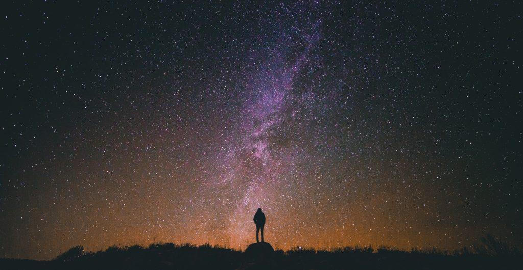 La verdad sobre el hallazgo de un universo paralelo donde el tiempo avanza hacia atrás. *Foto: Unsplash