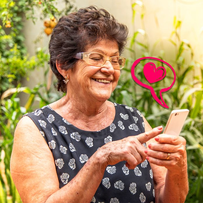 reconectados challenge programa de Telcel enseña abuelitos tecnología