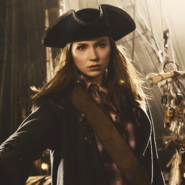 Karen Gillan Piratas del Caribe Johnny Depp