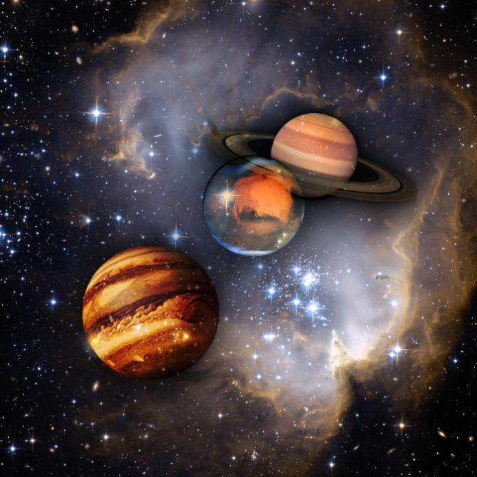 Hoy será visible la alineación de la Luna, Júpiter y Saturno