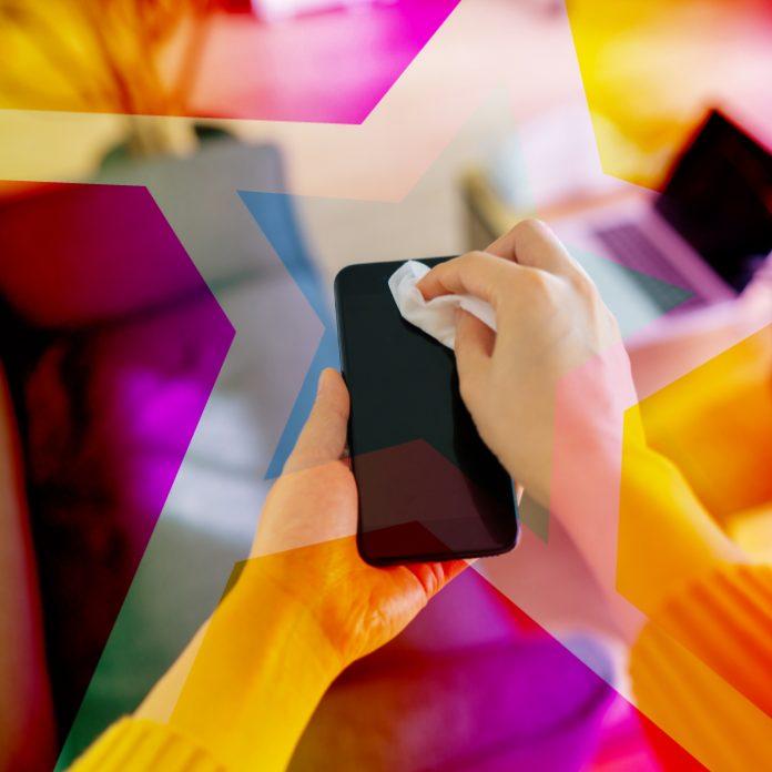 Te decimos cómo limpiar y desinfectar tu celular sin dañarlo
