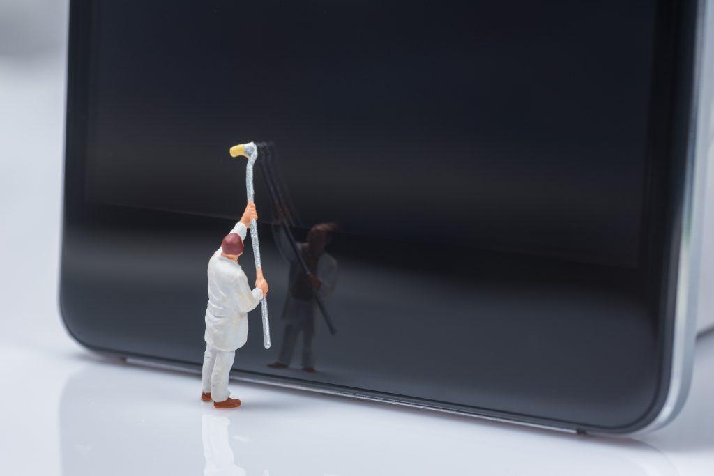 Cómo limpiar y desinfectar tu celular sin dañarlo