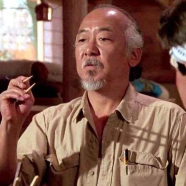 Maestro Miyagi interpretado por Pat Morita en Karate Kid