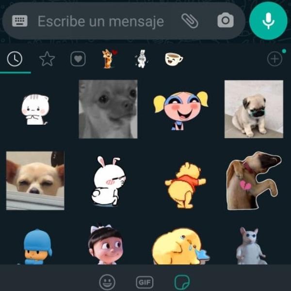interfaz de whatsapp con stickers