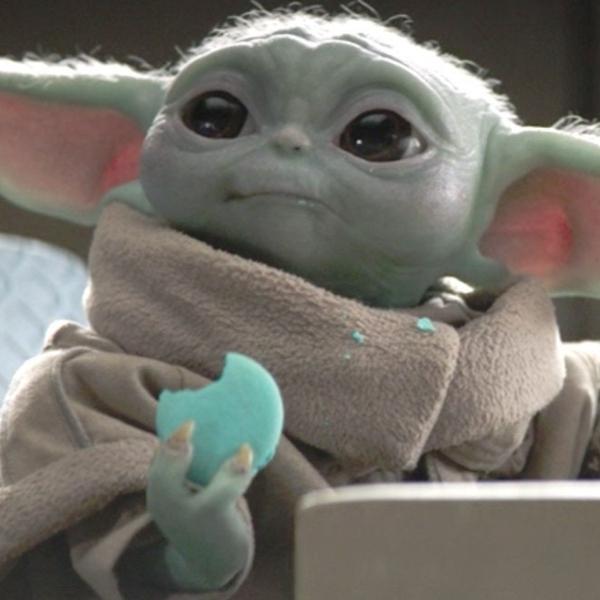 Bbay Yoda escena galletas The Mandalorian