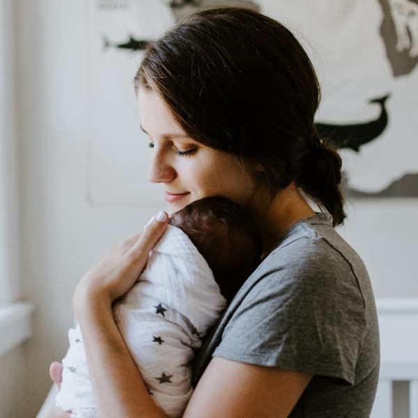 Mamá y bebé Día Mundial de la lucha contra el Sida