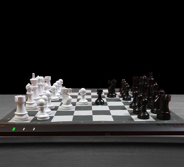 Tablero de ajedrez inteligente CES 2021