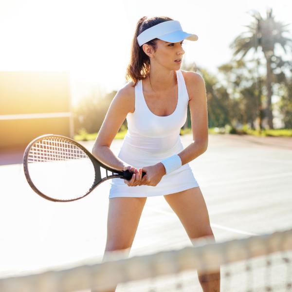 Tenista mujer raqueta