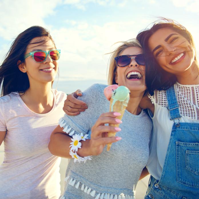 Mujeres felices sonriendo, #RedDeSonrisas