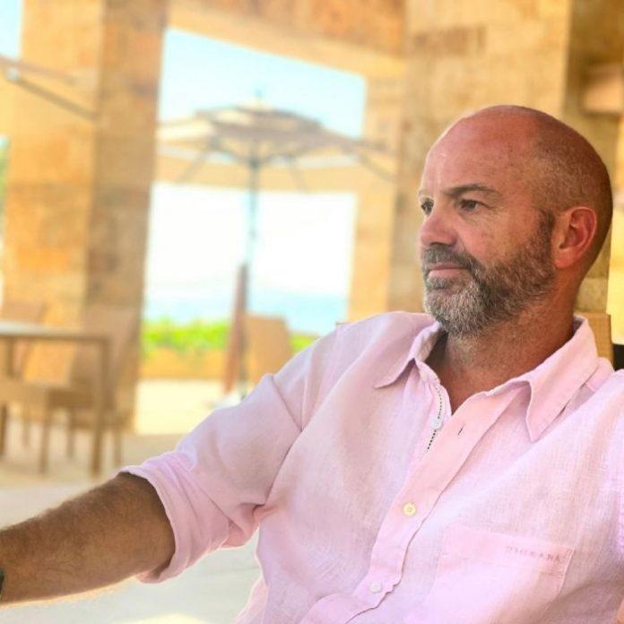 """Luis García: Conoce todo sobre """"Mis tres vidas"""" - Blog HolaTelcel"""