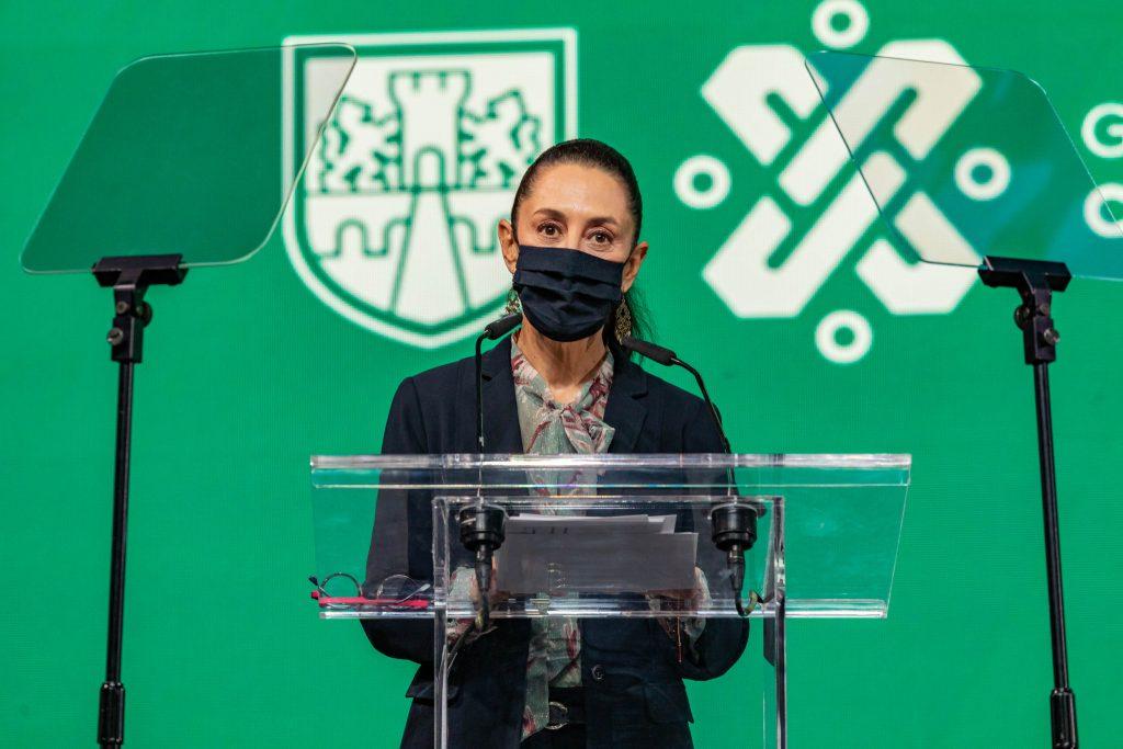 Claudia Sheinbaum jefa de gobierno en clausura de unidad temporal covid 19 en centro citibanamex