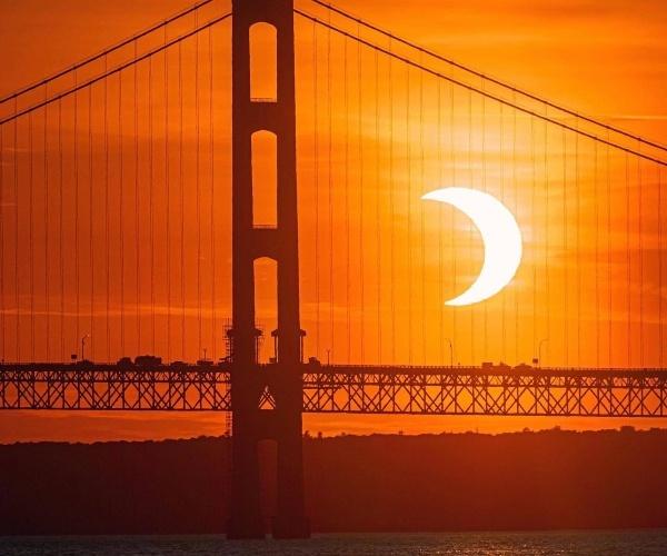 Eclipse de Sol anillo de fuego visto desde Mighty Mackinac en Michigan. (Trevor Mahlmann)- Blog Hola Telcel