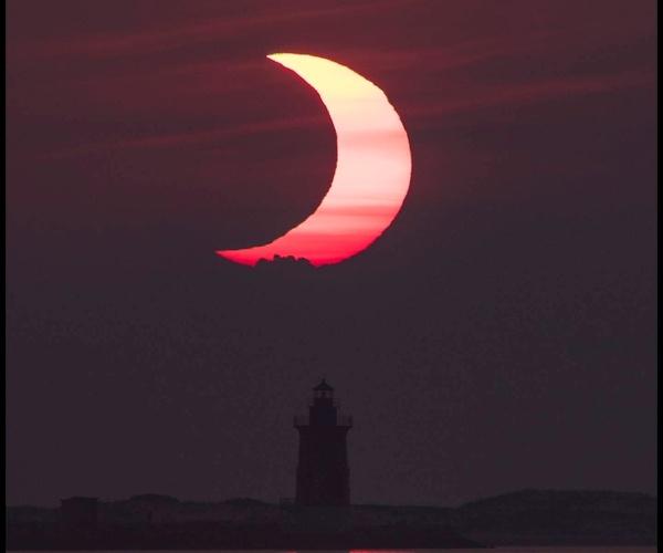 Eclipse solar parcial, colores rosa- Blog Hola Telcel