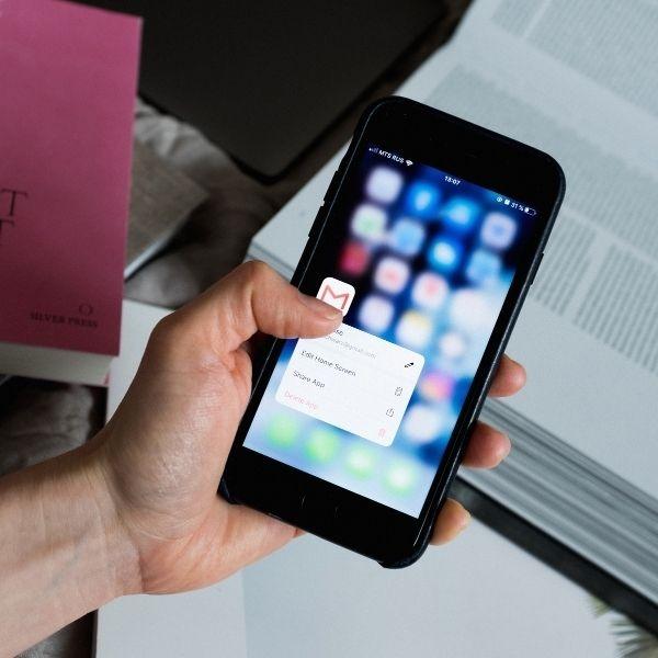 Controla la memoria y elimina las aplicaciones que no uses para liberar espacio en tu iPhone.- Blog Hola Telcel