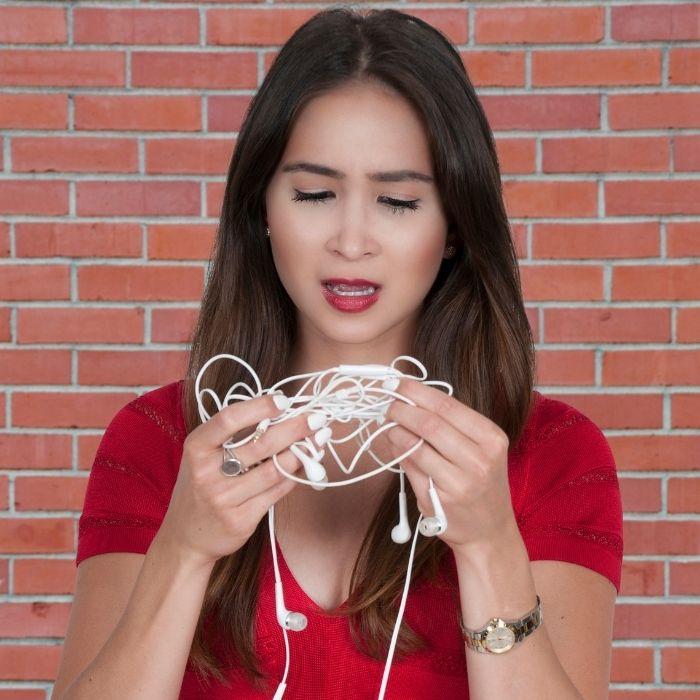 Todos siempre se han preguntado por qué los audífonos se enredan aunque los guardes bien.- Blog Hola Telcel